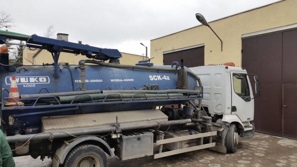 wuko - pojazd doczyszczenia kanalizacji - bok