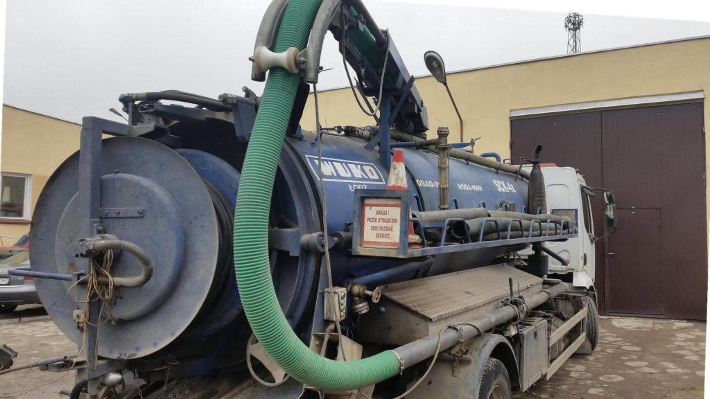 wuko - pojazd doczyszczenia kanalizacji - tył